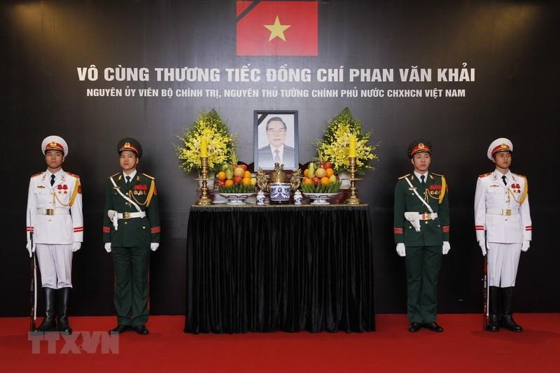 Nhiều đoàn đến viếng cố Thủ tướng Phan Văn Khải  - ảnh 5