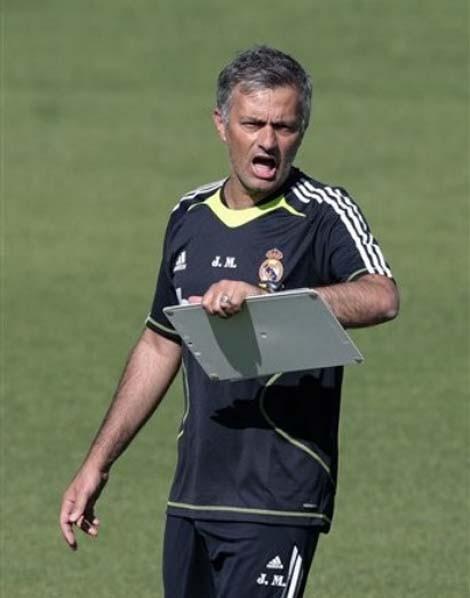 Mourinho với buổi tập đầu tiên chỉ có... 8 cầu thủ Real - ảnh 3