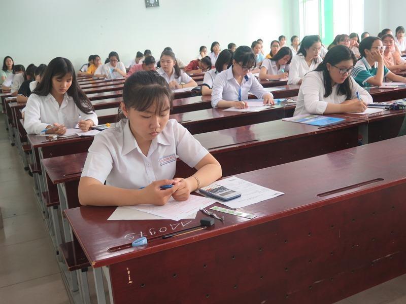 Hơn 36.000 học sinh bắt đầu dự thi đánh giá năng lực đợt 1 - ảnh 9