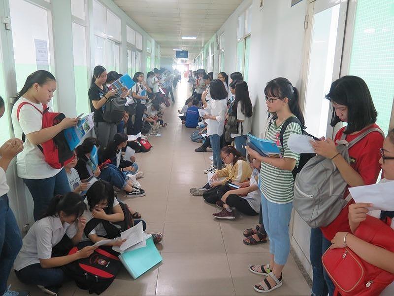 Hơn 36.000 học sinh bắt đầu dự thi đánh giá năng lực đợt 1 - ảnh 1