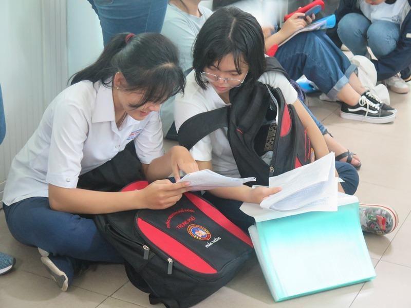 Hơn 36.000 học sinh bắt đầu dự thi đánh giá năng lực đợt 1 - ảnh 3
