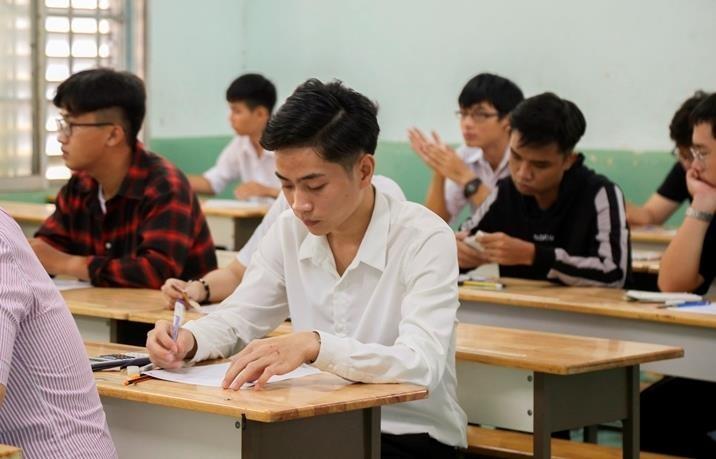 Gần 1.000 thí sinh bỏ thi kiểm tra năng lực vào ĐH Luật TP.HCM - ảnh 1