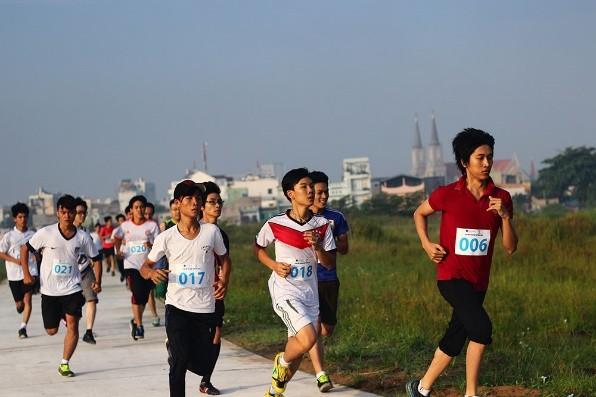 20.000 sinh viên cùng 'chạy vì sức khỏe, chạy vì môi trường' - ảnh 2