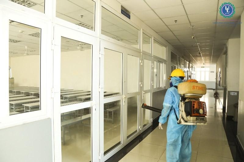 Sinh viên nhiều trường ĐH tiếp tục phải nghỉ vì dịch COVID-19 - ảnh 2