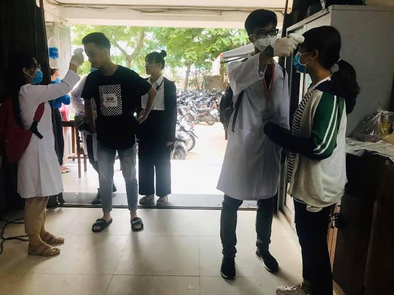 Sinh viên nhiều trường ĐH-CĐ 'khăn gói' đi học trở lại - ảnh 9