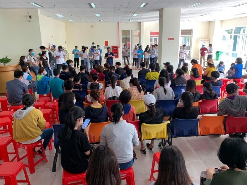 'Chủ nhật ý nghĩa' của hàng trăm giảng viên, sinh viên - ảnh 2