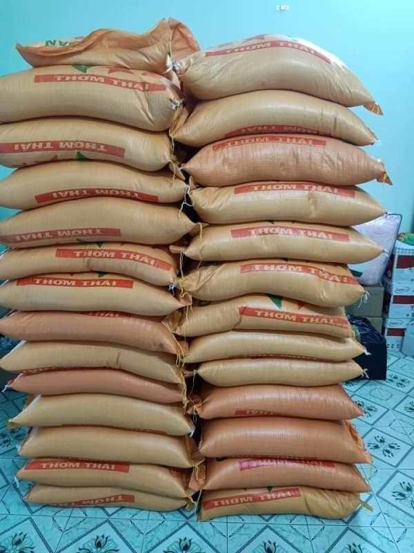 Phường mở ATM gạo, tặng 10 tấn gạo cho người nghèo - ảnh 3