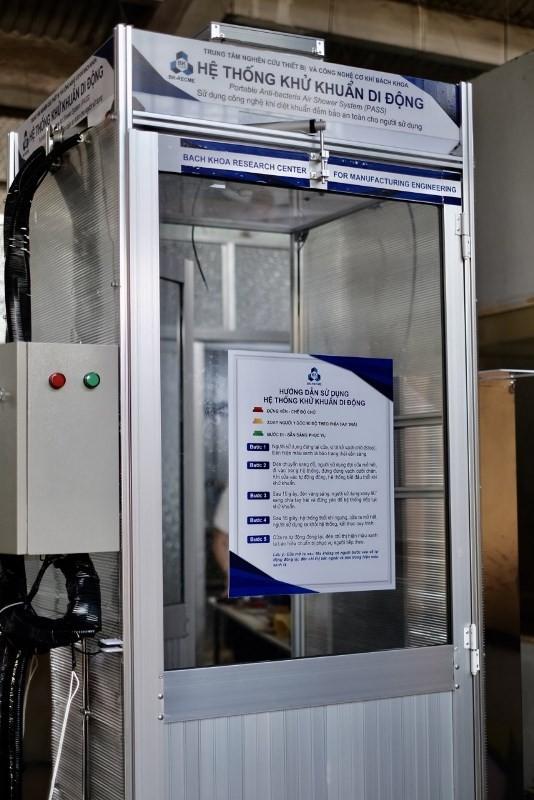 Trường ĐH Bách khoa chế tạo thành công buồng khử khuẩn di động - ảnh 1