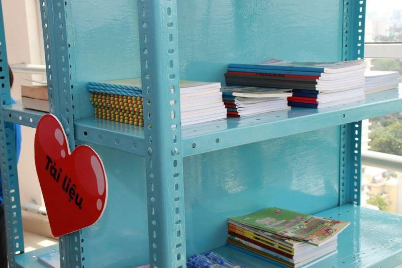 ĐH Y dược TP.HCM mở 'Góc sẻ chia' giúp sinh viên khó khăn - ảnh 4