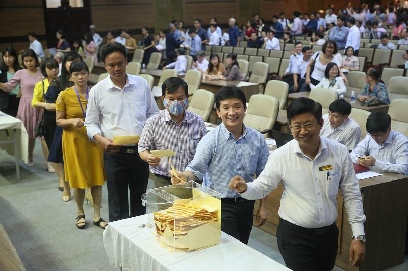 Ông Nguyễn Thành Phong vào Hội đồng trường ĐH Kinh tế TP.HCM - ảnh 1