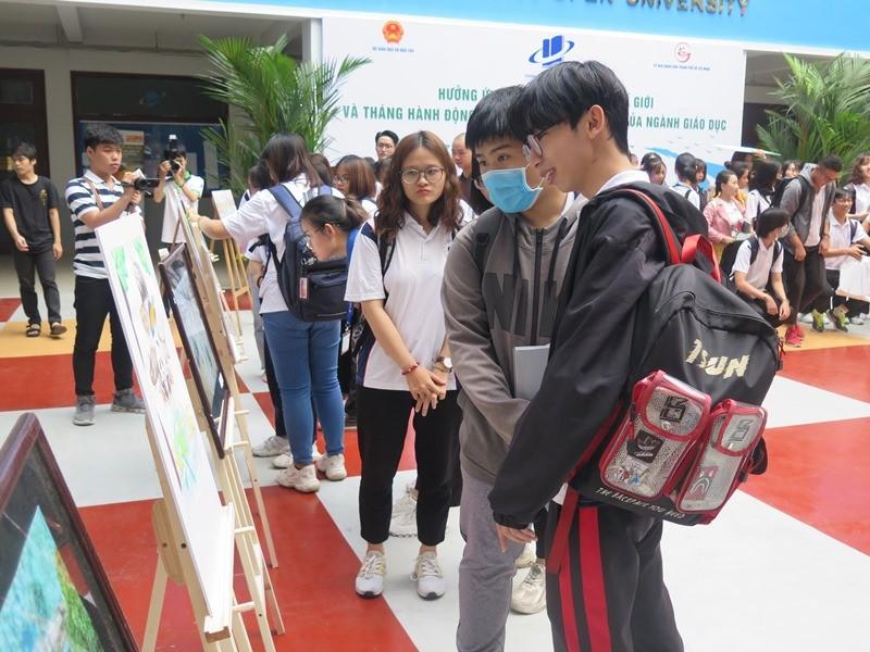 Nam sinh năm 2 giành giải nhất cuộc thi vẽ bảo vệ môi trường - ảnh 4