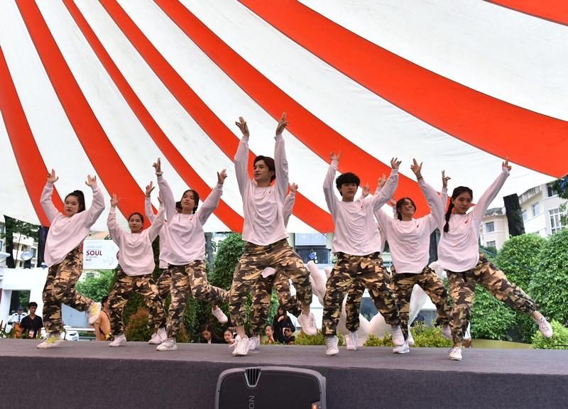 SMPAA, TP.HCM: Học hát, học múa qua ... online - ảnh 2