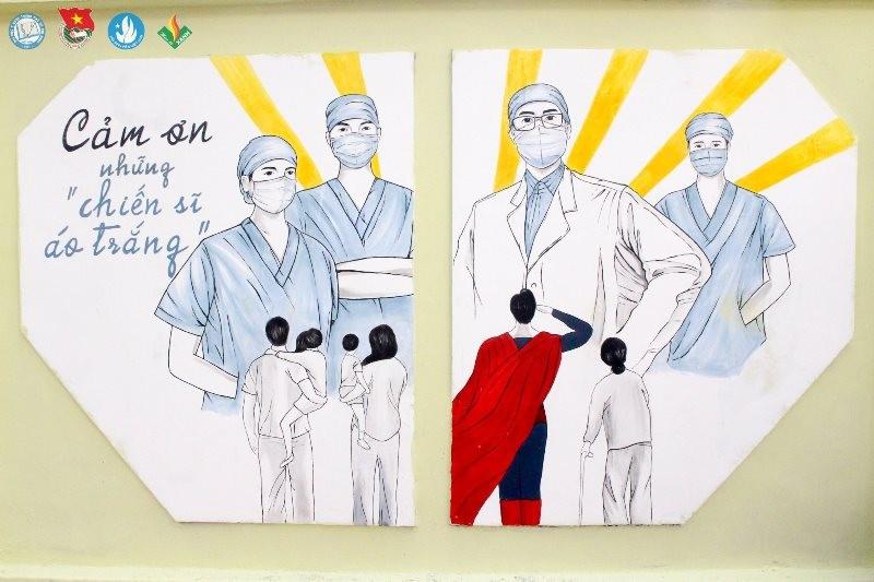 Sinh viên 'thay áo' cho ký túc xá để cổ vũ y bác sĩ chống dịch - ảnh 4