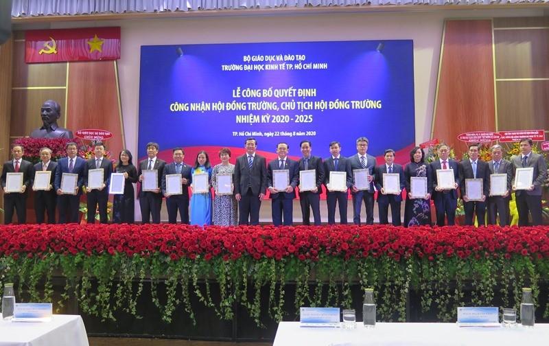 Trường ĐH Kinh tế TP.HCM chính thức công bố Hội đồng trường - ảnh 1
