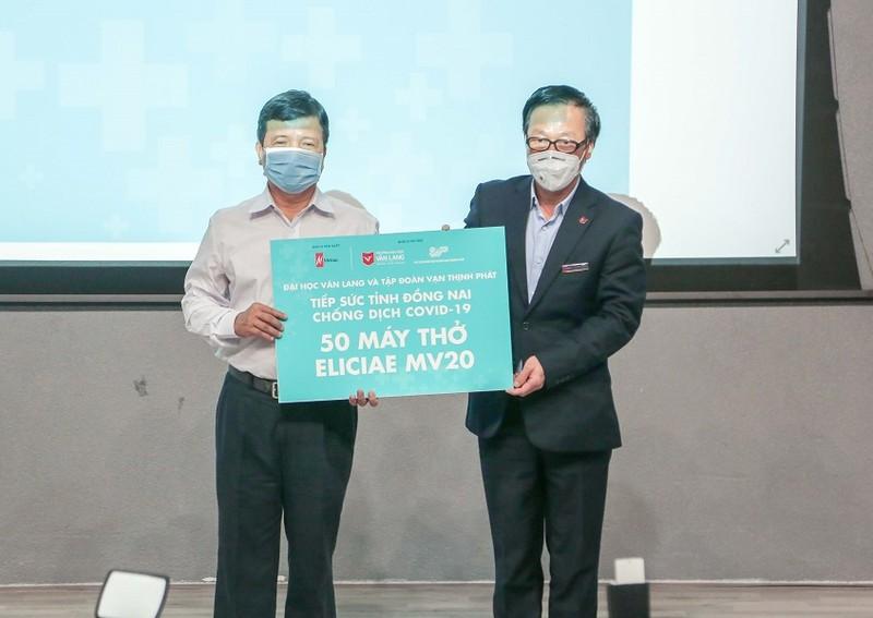 ĐH Văn Lang tặng 540 máy thở cho các địa phương chống COVID-19 - ảnh 4