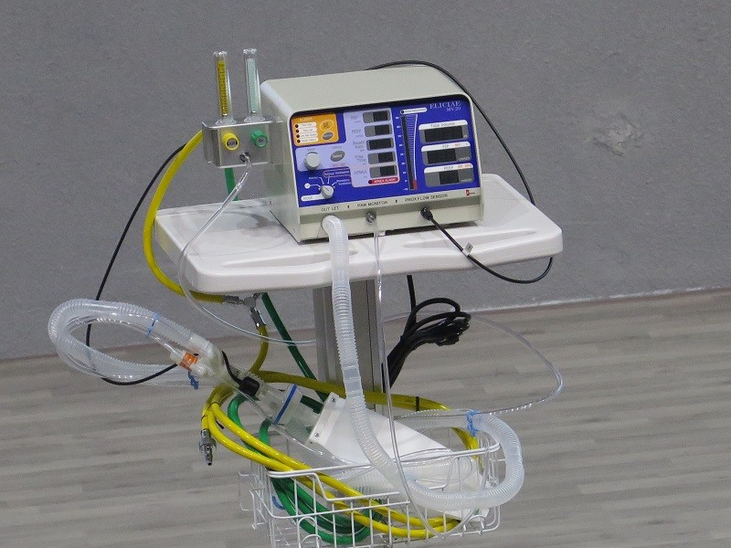 ĐH Văn Lang tặng 540 máy thở cho các địa phương chống COVID-19 - ảnh 1