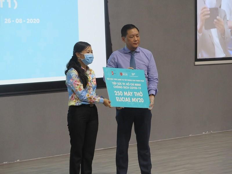 ĐH Văn Lang tặng 540 máy thở cho các địa phương chống COVID-19 - ảnh 2