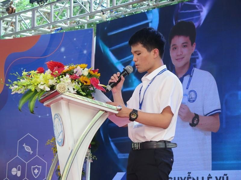 14 tân sinh viên ĐH Y dược TP.HCM nhận học bổng 'khủng' - ảnh 3