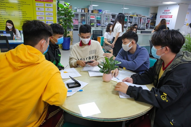 Hai trường ĐH đầu tiên tại TP.HCM nhận xét tuyển học bạ sớm - ảnh 1