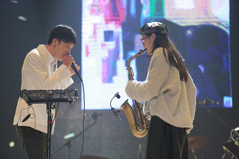 Khán giả 'mê tít' giọng ca người Mỹ hát nhạc Trịnh Công Sơn - ảnh 2