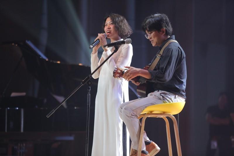Khán giả 'mê tít' giọng ca người Mỹ hát nhạc Trịnh Công Sơn - ảnh 3
