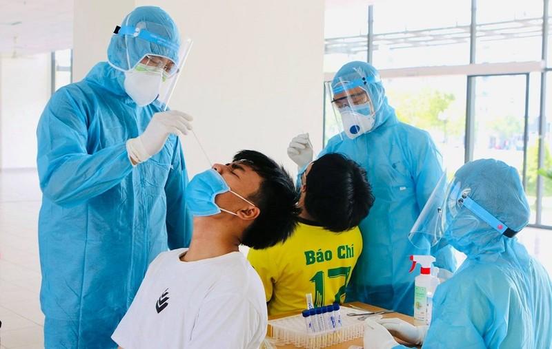Xét nghiệm khẩn cấp các sinh viên trở lại KTX từ 4 tỉnh/thành - ảnh 2