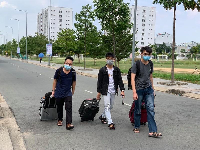 Xét nghiệm khẩn cấp các sinh viên trở lại KTX từ 4 tỉnh/thành - ảnh 3