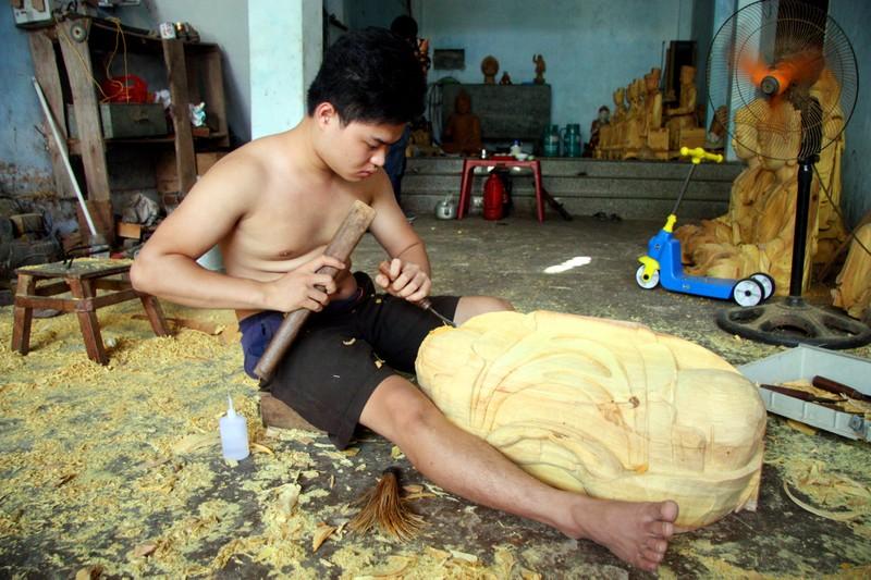 Độc đáo với nghề tạc tượng thờ ở Thanh Oai - ảnh 12