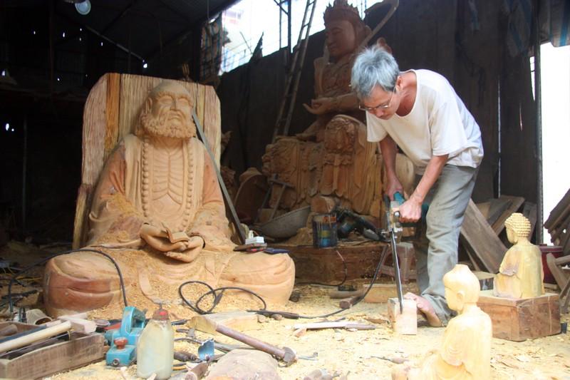 Độc đáo với nghề tạc tượng thờ ở Thanh Oai - ảnh 4