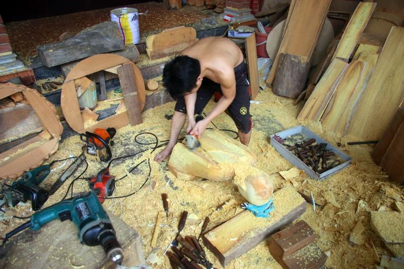 Độc đáo với nghề tạc tượng thờ ở Thanh Oai - ảnh 6