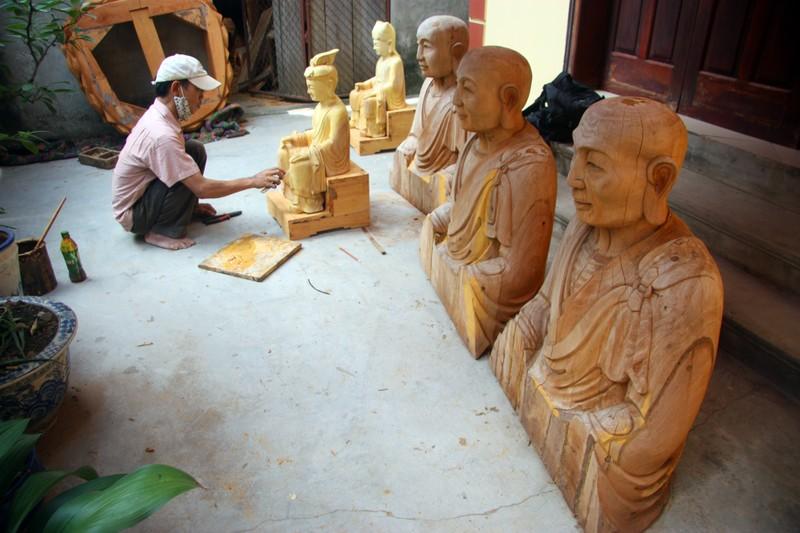 Độc đáo với nghề tạc tượng thờ ở Thanh Oai - ảnh 7