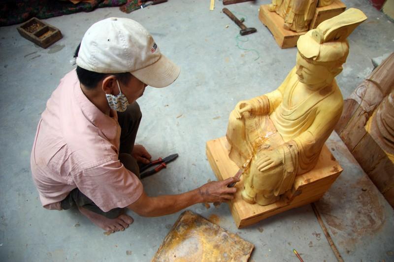 Độc đáo với nghề tạc tượng thờ ở Thanh Oai - ảnh 9