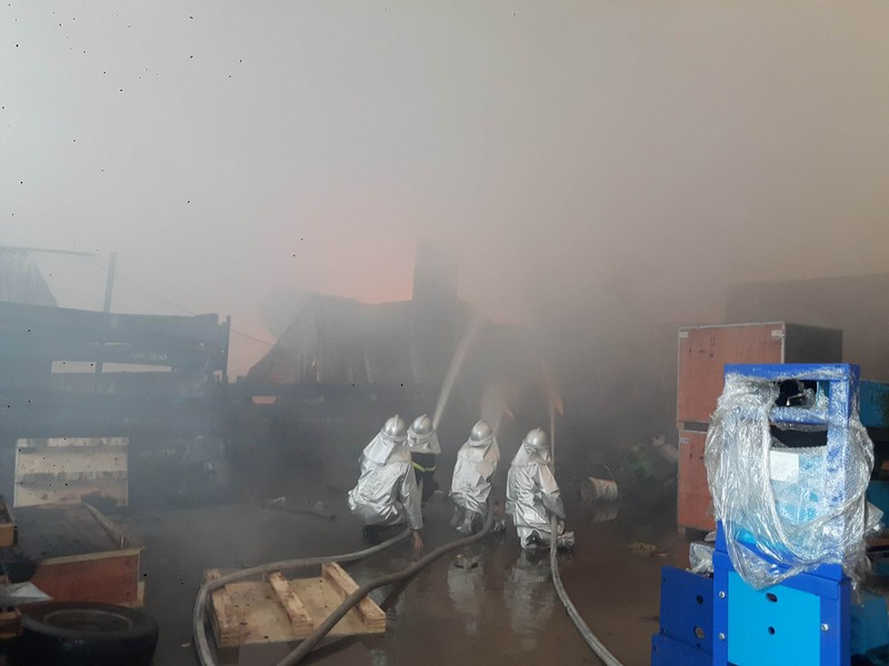 Cháy lớn tại Khu công nghiệp Ngọc Hồi - ảnh 4
