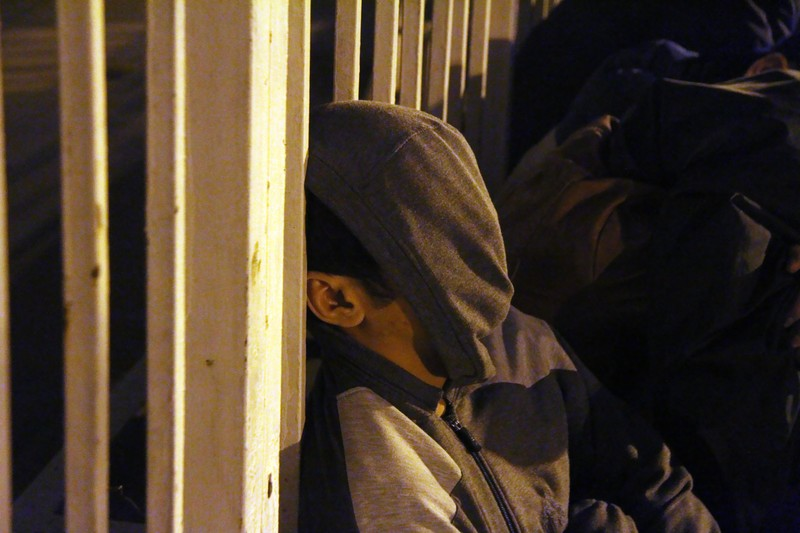 Trắng đêm chờ mua vé ở sân vận động Mỹ Đình  - ảnh 10