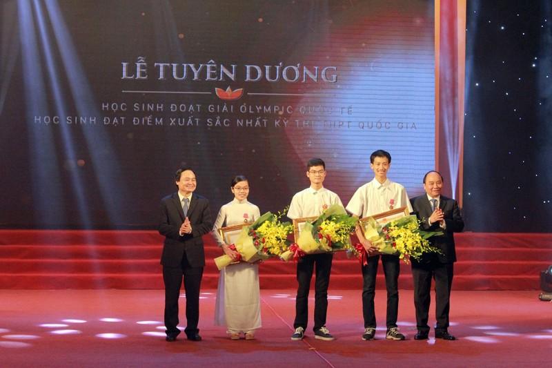 Tuyên dương học sinh đoạt giải Olympic quốc tế - ảnh 1