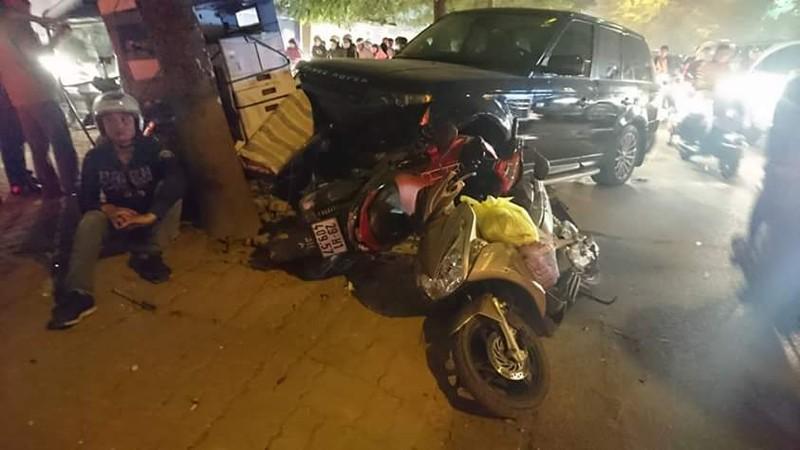 Ô tô 'điên' gây tai nạn liên hoàn, 3 người bị thương - ảnh 1