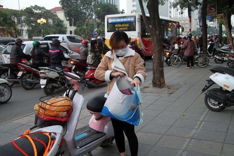 Hà Nội: Xuất hiện tủ quần áo miễn phí cho người nghèo - ảnh 8