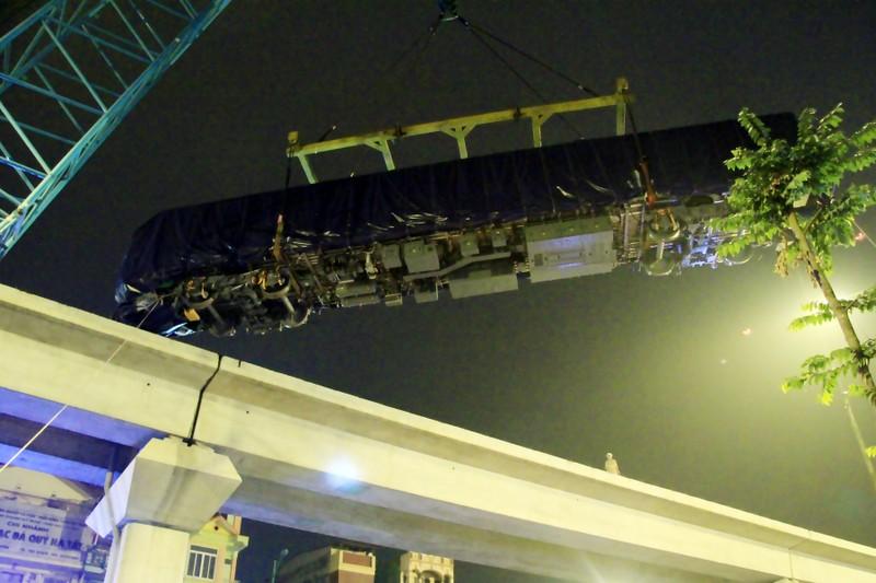 Đường sắt Cát Linh - Hà Đông: Lên ray toa tàu đầu tiên - ảnh 15
