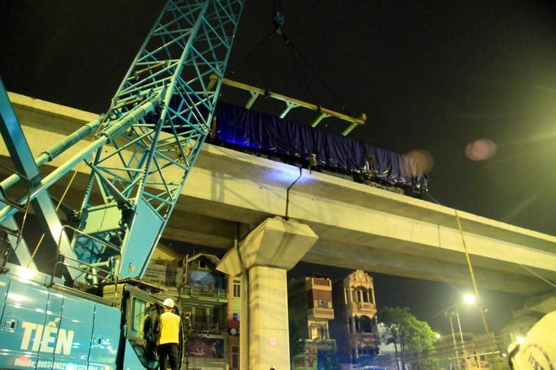 Đường sắt Cát Linh - Hà Đông: Lên ray toa tàu đầu tiên - ảnh 16