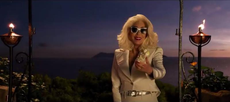 Mamma Mia 2!: Ngắm vẻ đẹp quyến rũ của Cher trong 'Fernando' - ảnh 1