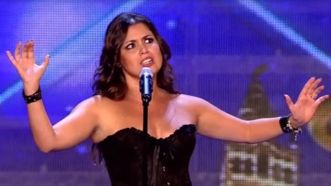 Cô gái ra sân khấu hát Opera, bất ngờ xé váy trở thành rocker - ảnh 2