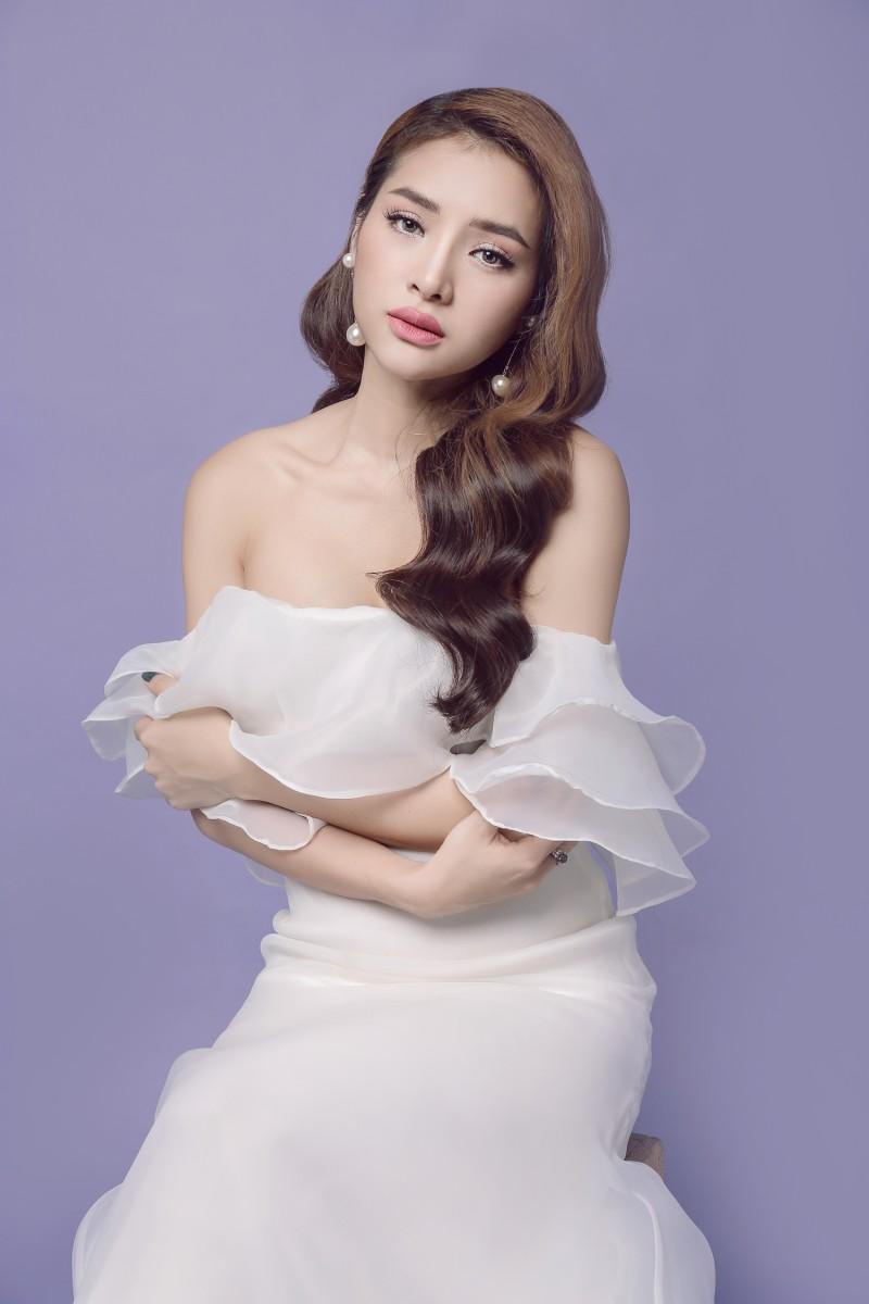 Phương Trinh Jolie mong manh trong váy trắng nói về tình yêu - ảnh 2
