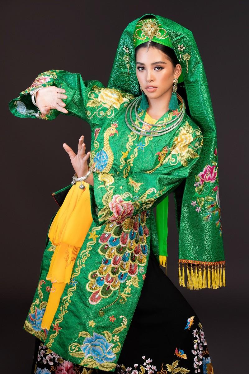 Tiểu Vy gây ấn tượng tại Miss World với múa chầu văn - ảnh 1