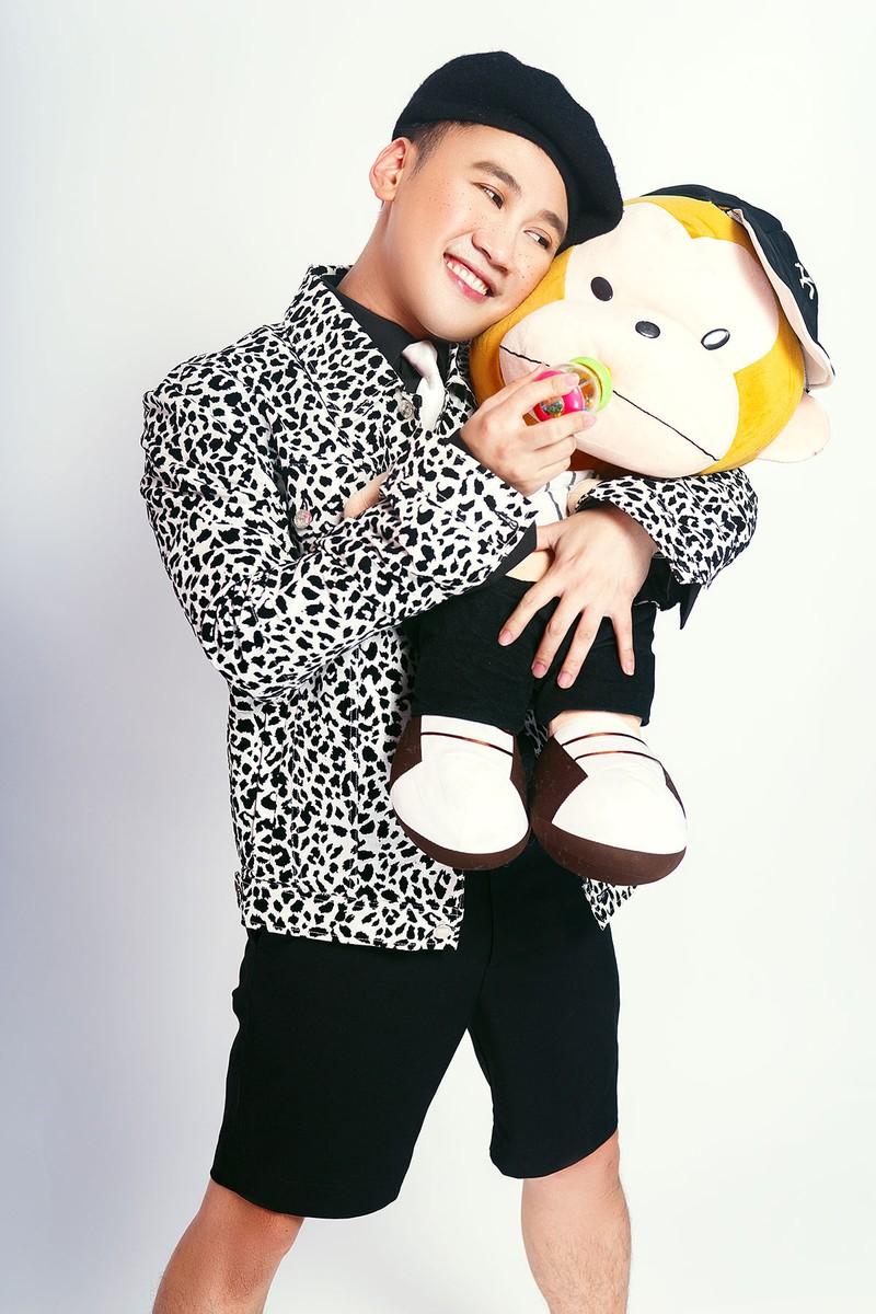 Don Nguyễn đáng yêu trong bộ ảnh với kẹo nhiều màu - ảnh 6