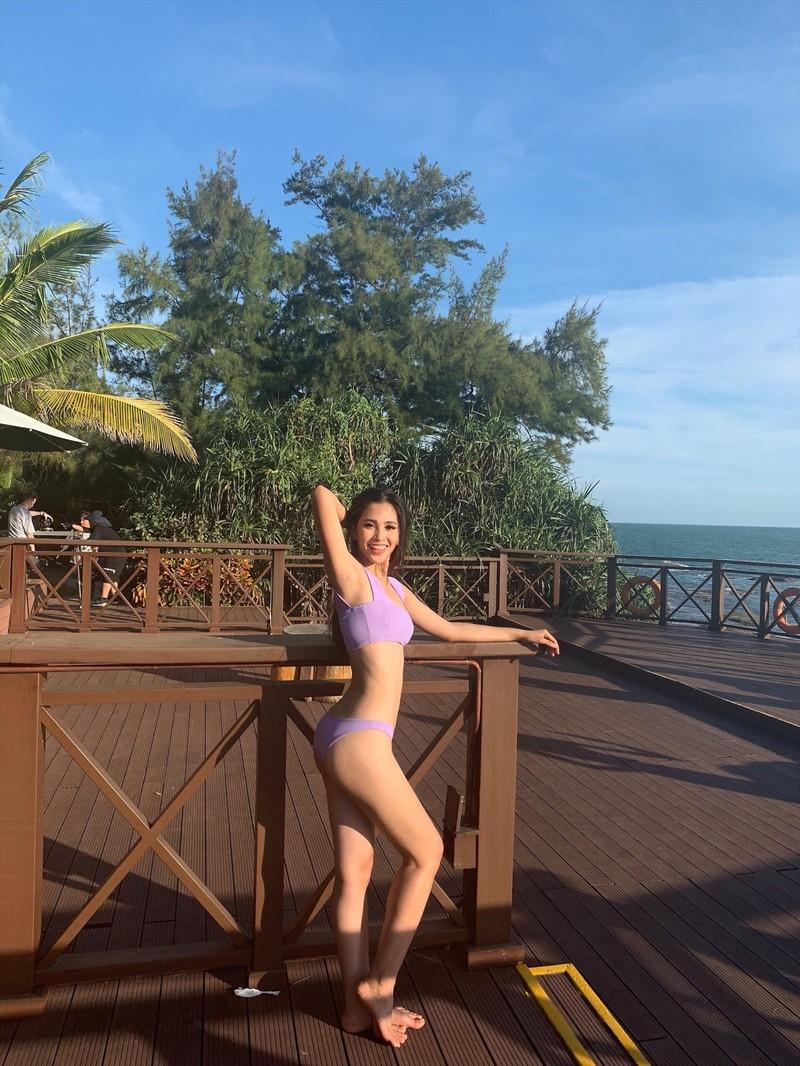 Tiểu Vy mặc bikini khoe cơ bụng tại Miss World 2018 - ảnh 1