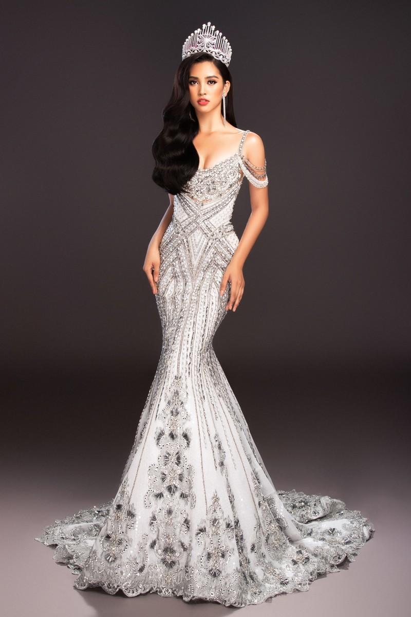Lộ diện 4 chiếc đầm dạ hội Tiểu Vy mang đến Miss World - ảnh 3