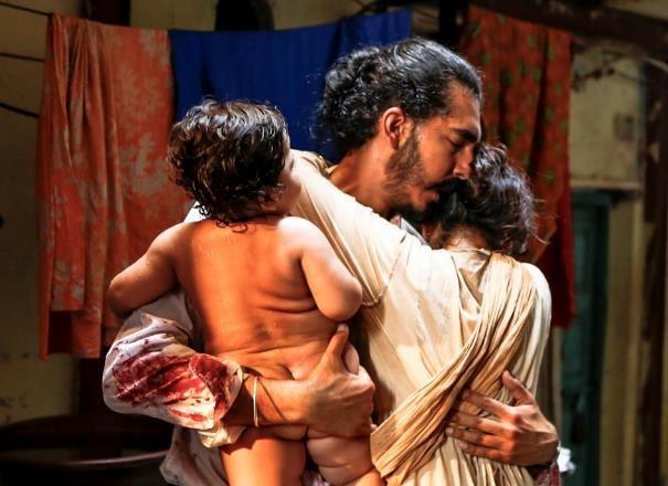 Khủng bố kinh hoàng 170 người chết ở Mumbai ám ảnh trên phim - ảnh 8