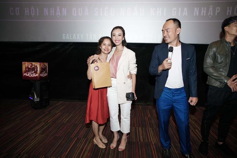 Thu Trang lý giải chuyện không hút thuốc, xăm mình trong phim - ảnh 2