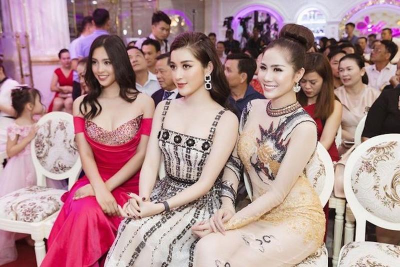 Ngắm hoa hậu Tiểu Vy và á hậu Huyền My đọ dáng  - ảnh 3