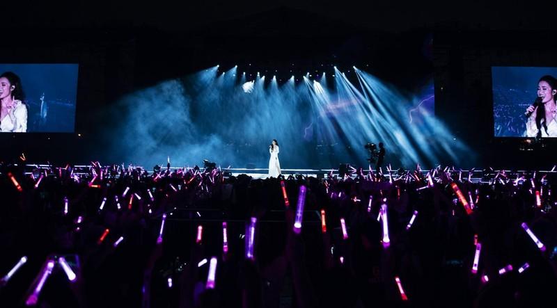 Đông Nhi chiếu online toàn bộ sô 'Ten on ten' tặng fan - ảnh 2